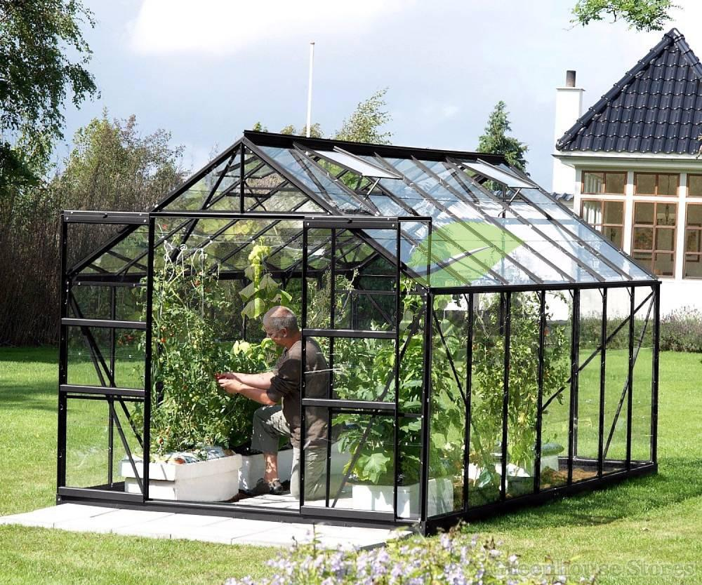 ساخت گلخانه شیشه ای شهری