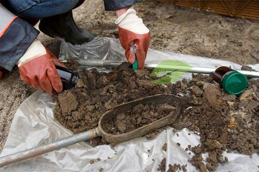 نمونه خاک برای آزمایشگاه