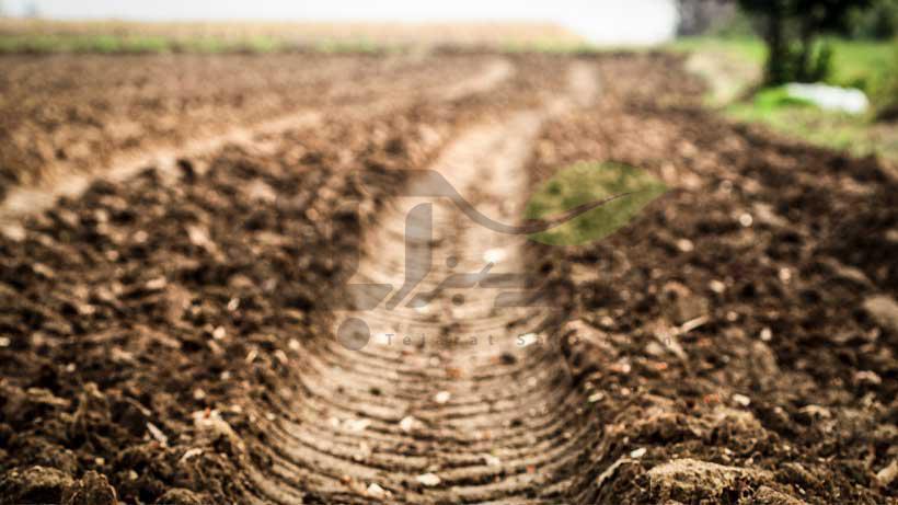 فشرده و سفت شدن خاک بر اثر وزن تجهیزات کشاورزی